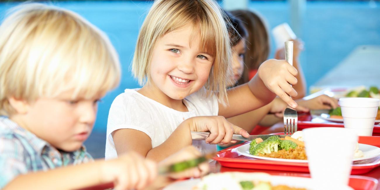 Nadácia DOXX sa zameriava na podporu stravovania deti v školách