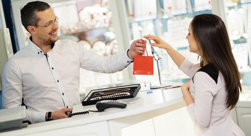 Získajte nových zákazníkov s elektronickými darcekovými poukážkami DOXX